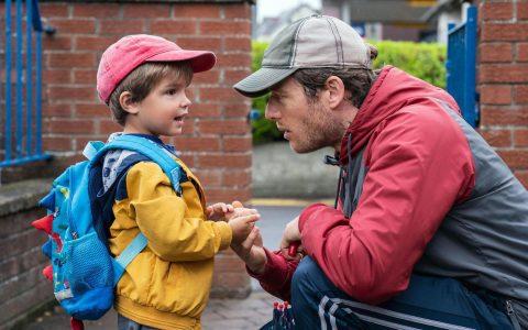 《默默无闻》影评:一个令人心碎和谦逊的父亲故事